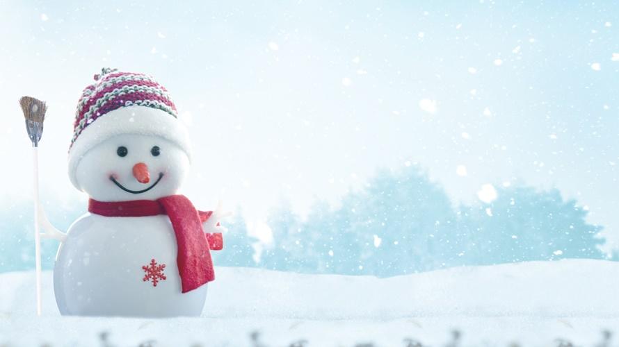 雪が降りましたね…!!