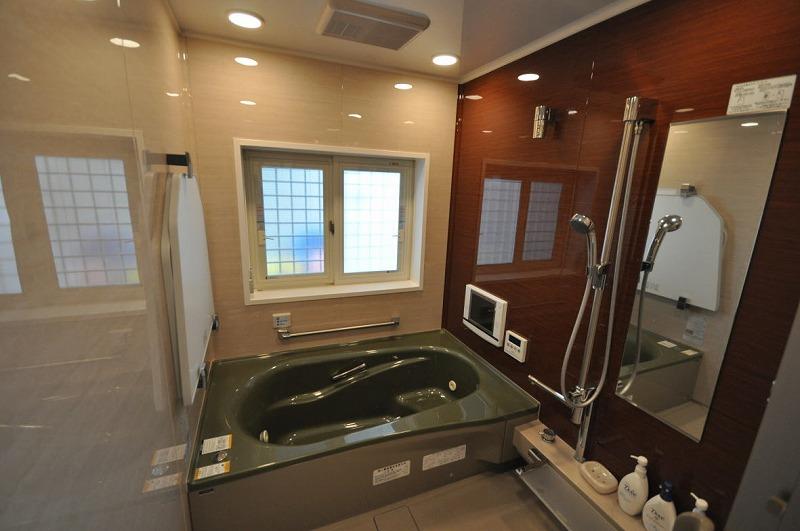 贅沢な1.25坪タイプ テレビ、ミストシャワー付き