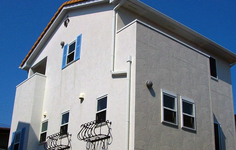 ヨーロッパ調の3階建て住宅