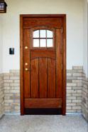 玄関ドアの写真